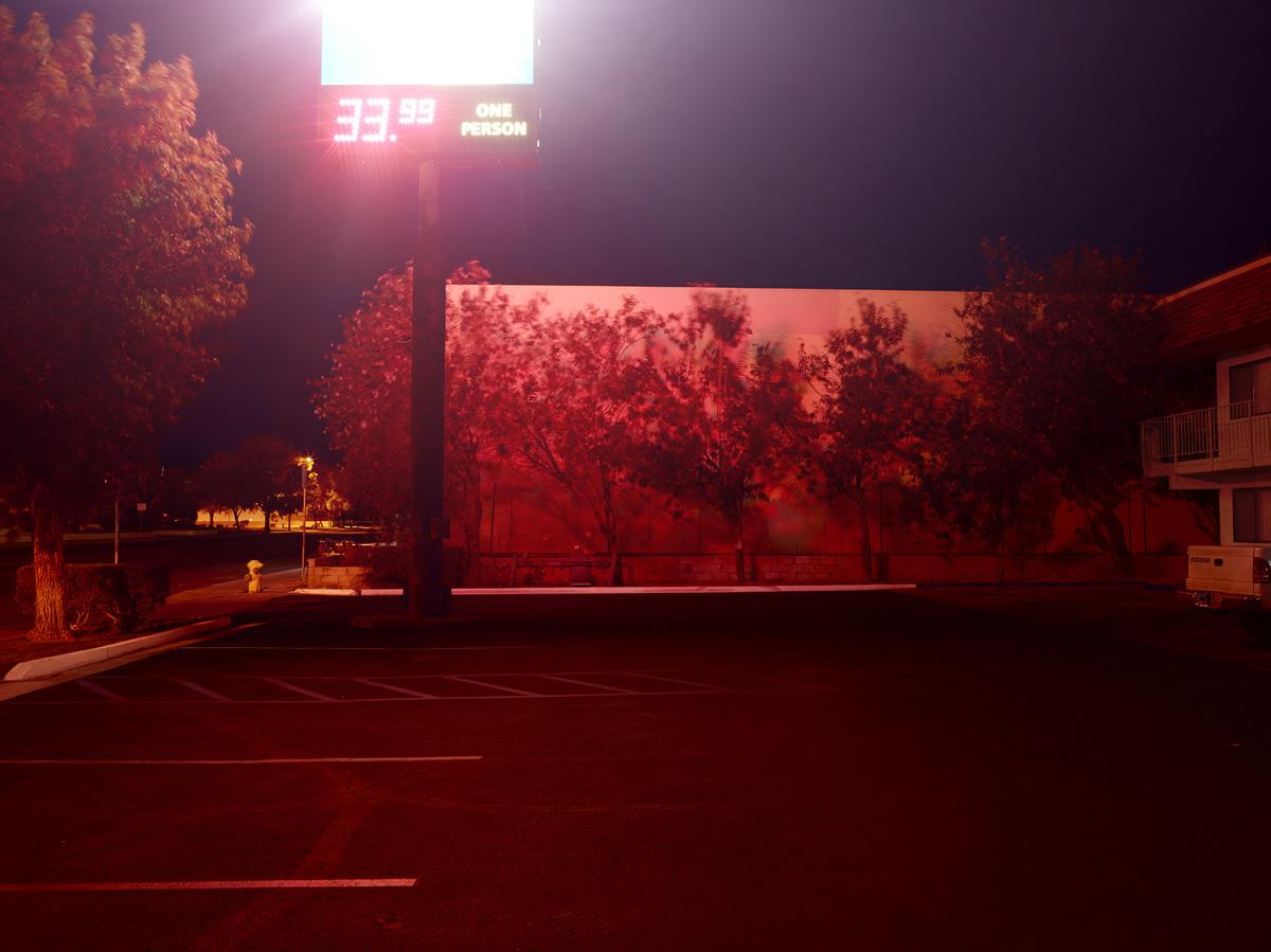 Broken Dreams - Motel