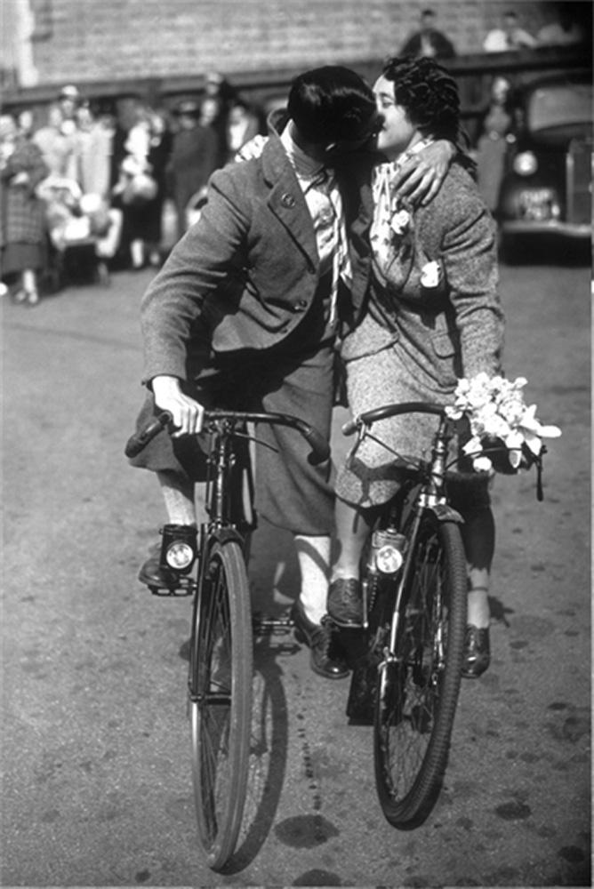Cycle Kiss