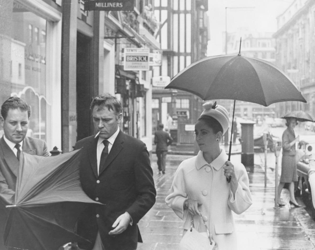 Elizabeth Taylor & Richard Burton, 1963