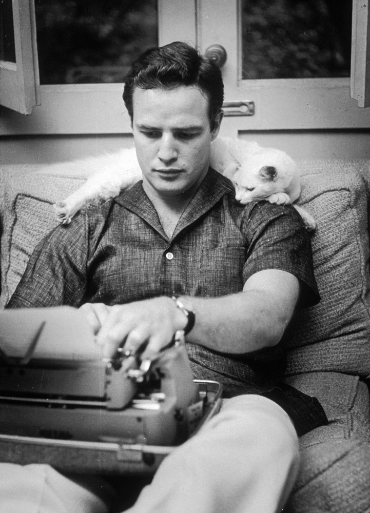 Brando at Typewriter, Los Angeles, 1954_Crane Kalman Brighton