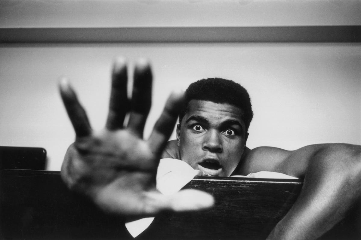 Give me Five - Muhammad Ali in London, 1963_Crane Kalman Brighton